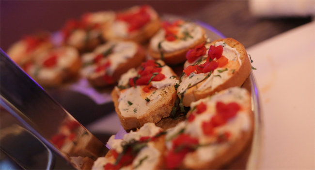 Roasted Red Pepper and Goat Cheese Bruschetta